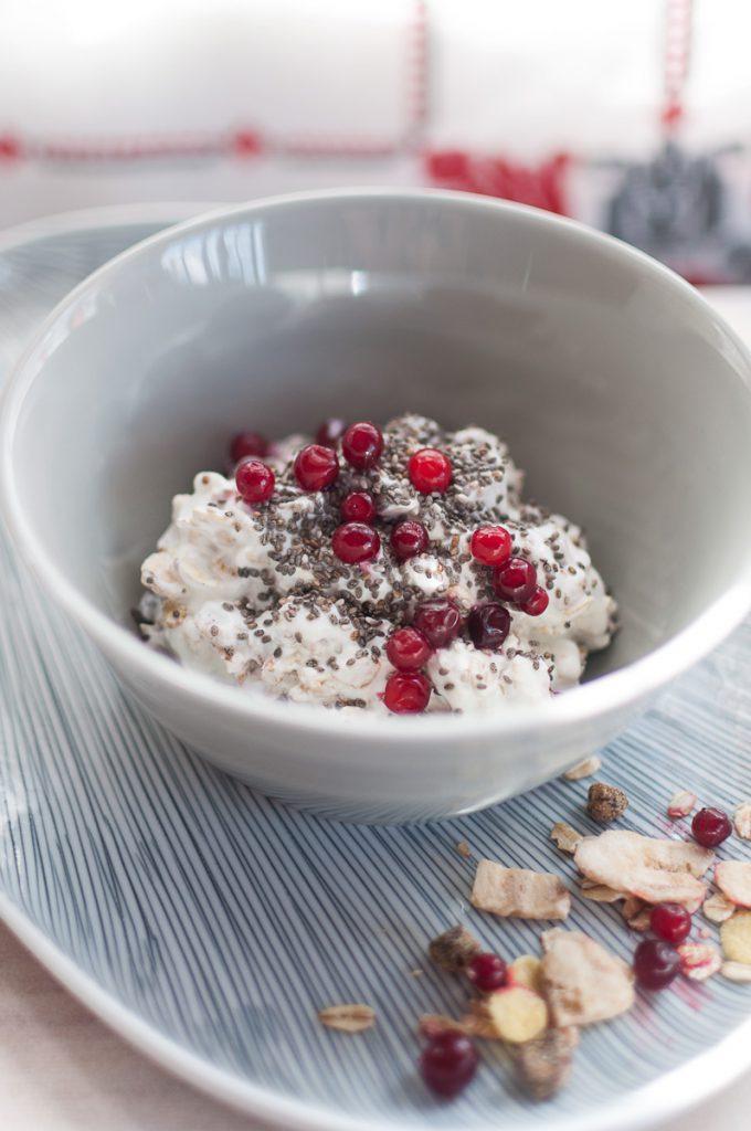 cereale-cu-iaurt-si-merisoare-1200(1)