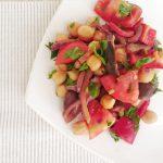 Salată cu năut, ardei și măsline