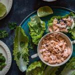 Rulouri de salată verde cu somon