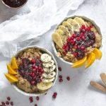 #VeganMonday // Porridge de quinoa cu lapte de cocos & nuci & fructe de pădure